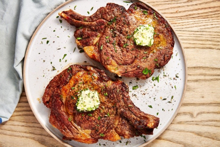 Hot Juicy And Tender Air Fryer Steak With Herb Butter 1